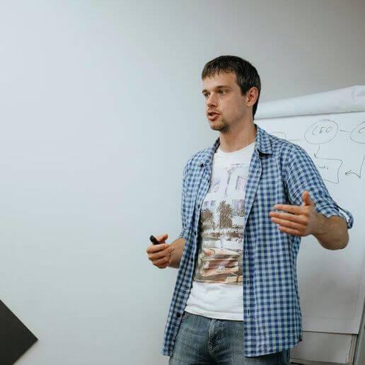 Евгений Полев